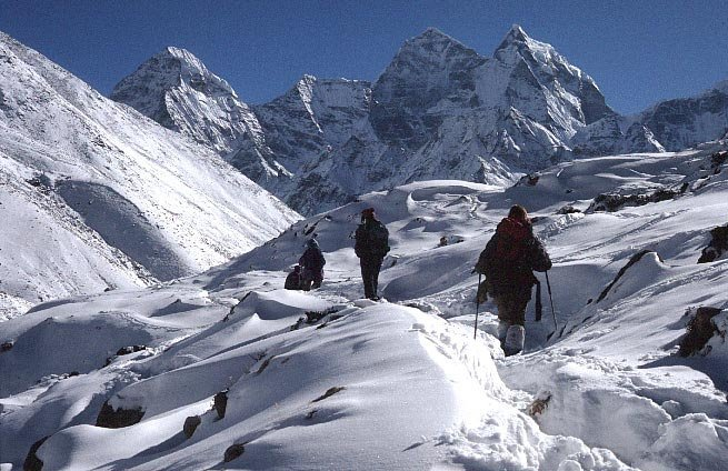 encompass Everest base camp, Island Peak and Amadablam base camp in one go