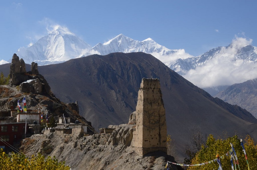 highlights of Annapurna, the best favoured trekking region